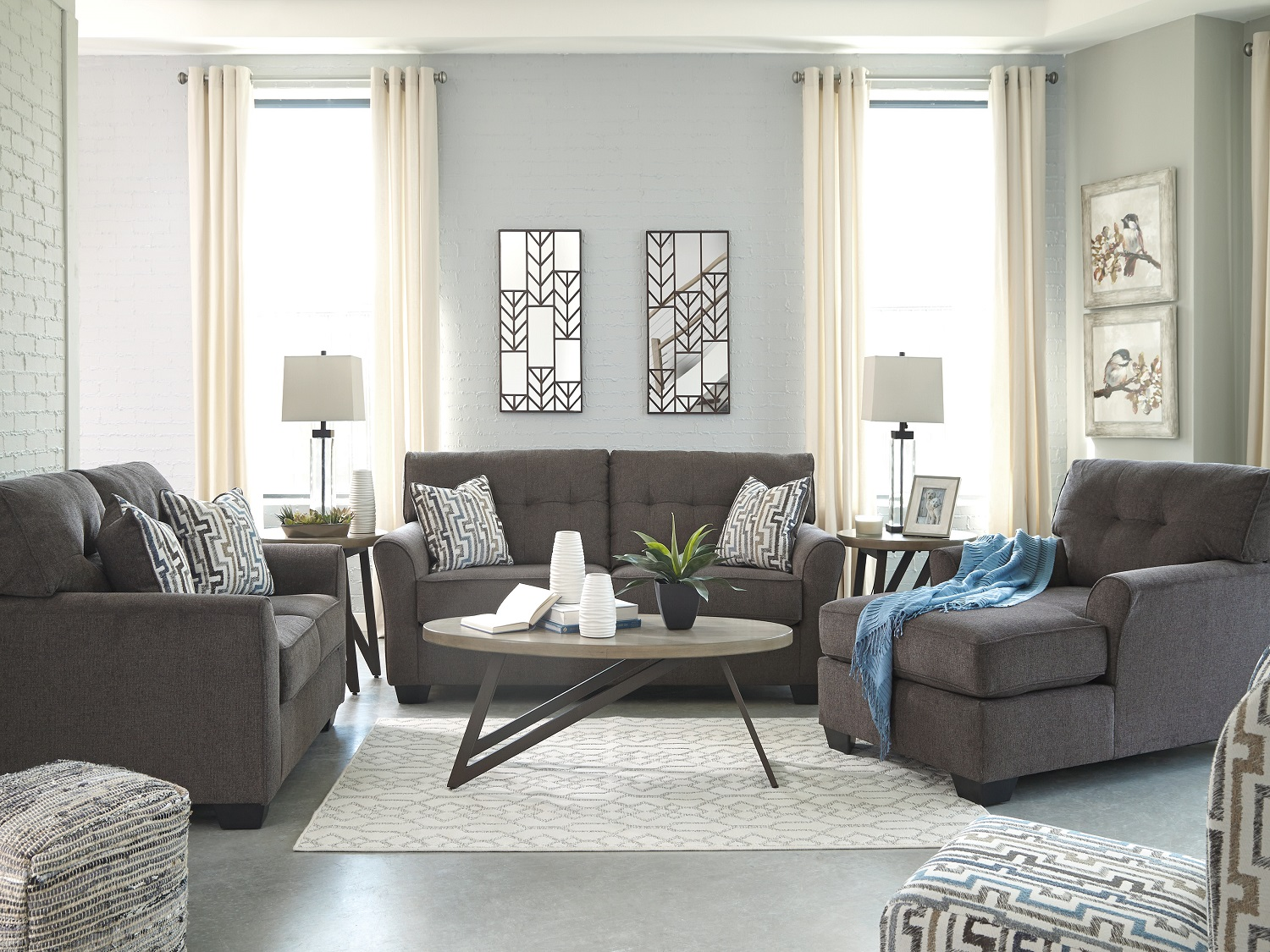 Alsen, 739, Sofa Sets by Midha Furniture to Brampton, Mississauga, Etobicoke, Toronto, Scraborough, Caledon, Oakville, Markham, Ajax, Pickering, Oshawa, Richmondhill, Kitchener, Hamilton and GTA area