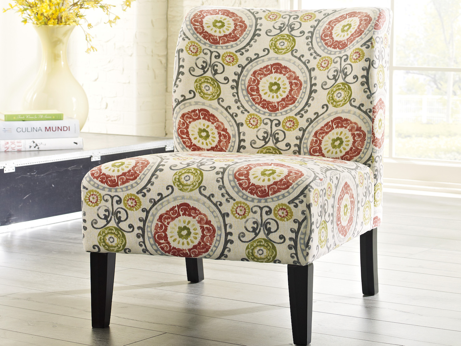 Honnaly Accent Chair, 53302, Accent Chairs by Midha Furniture to Brampton, Mississauga, Etobicoke, Toronto, Scraborough, Caledon, Oakville, Markham, Ajax, Pickering, Oshawa, Richmondhill, Kitchener, Hamilton and GTA area