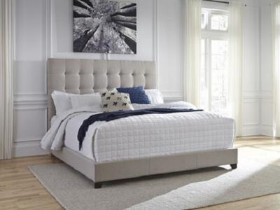Dolante Queen Size Bed